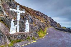 Krucyfiks przy drogą na Dingle półwysepie Zdjęcia Stock