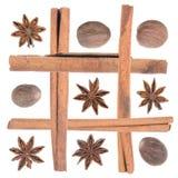 Kruiden als beeld worden geschikt dat: steranijsplant, notemuskaat, kaneel Royalty-vrije Stock Afbeeldingen
