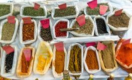 Kruiden voor verkoop bij de markt Royalty-vrije Stock Foto