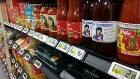 Kruidenierswinkels in IGA Supermarket Royalty-vrije Stock Afbeeldingen
