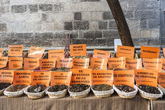 Kruidenopslag bij populaire markt in Granada Stock Afbeelding