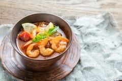Kruidige Franse soep met zeevruchten Stock Foto's