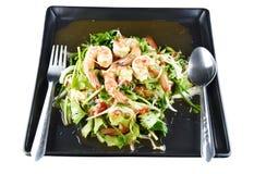 Kruidige garnalensalade in schotel, Thais voedsel Stock Afbeeldingen