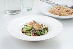 Kruidige mackeral salade Stock Afbeelding