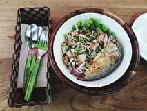 Kruidige makreelsalade royalty-vrije stock afbeeldingen