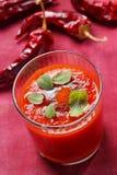 Kruidige tomatensoep stock foto