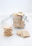 Kruik met crackers Royalty-vrije Stock Foto