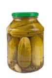 Kruik met gemarineerde komkommers Stock Afbeelding