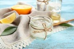 Kruik met ingrediënt voor deodorant Royalty-vrije Stock Foto