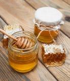 Kruiken honing Stock Foto