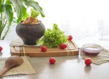 Kruimelig boekweit met boter, voedsel gezond plantaardig voedsel stock foto's