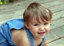 Kruipende baby stock afbeelding