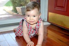Kruipende Baby Stock Afbeeldingen
