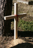 Kruis bij de begraafplaats Royalty-vrije Stock Foto
