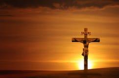 Kruis bij zonsondergang Royalty-vrije Stock Afbeeldingen