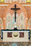 Kruis binnen de kerk Royalty-vrije Stock Fotografie