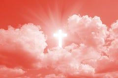 Kruis in hemel stock afbeelding