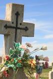 Kruis met Bloemen Stock Afbeeldingen