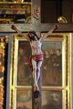Kruis op het altaar in de Kerk van de Heilige Barbara in Velika Mlaka, Kroatië royalty-vrije stock fotografie