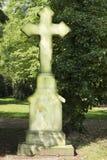 Kruis op oude Cemetry Stock Fotografie