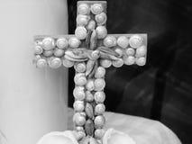 Kruis van zeeschelpendeken die wordt gemaakt Stock Foto's