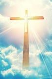 Kruis in zonnestralen stock afbeeldingen