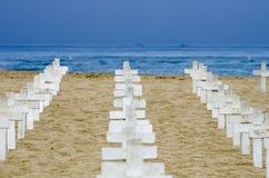 Kruisen op het Strand Royalty-vrije Stock Afbeelding