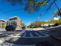 Kruising van Komende St en Calhoun-Straat, Charleston, Sc royalty-vrije stock afbeeldingen