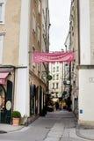 Kruising van straten in centrum van Salzburg Stock Afbeeldingen