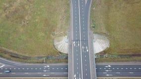 Kruispunten van twee wegen Koltseraya en de weg aan Minsk stock videobeelden