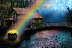Kruka av guld på slutet av regnbågen vid ett sommarhus Royaltyfri Fotografi