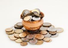 Kruka av pengar Arkivfoton