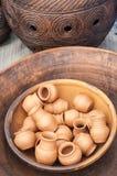 Krukmakeri lergods, clayware, lerkärl, stengods royaltyfri bild