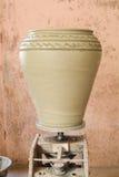 Krukmakeri som göras i Oman Arkivbilder