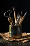 Krukmakerihjälpmedel i hand tillverkade Clay Pot Arkivfoton