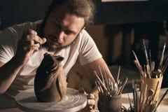 Krukmakerikonst, leraprodukt, stöpning fotografering för bildbyråer