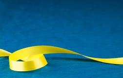 krullningsband som yellow Arkivbild