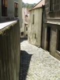 Krumlov de Cesky - manera del adoquín Fotografía de archivo libre de regalías