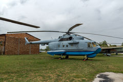 KRUMOVO, PLOVDIV, ΒΟΥΛΓΑΡΊΑ - 29 ΑΠΡΙΛΊΟΥ 2017: Ελικόπτερο Mil mi-8 μεταφορών στο μουσείο αεροπορίας κοντά στον αερολιμένα Plovdi Στοκ φωτογραφία με δικαίωμα ελεύθερης χρήσης