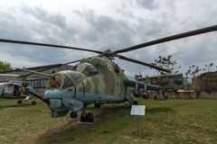 KRUMOVO, PLOVDIV, ΒΟΥΛΓΑΡΊΑ - 29 ΑΠΡΙΛΊΟΥ 2017: Ελικόπτερο Mil mi-24 στο μουσείο αεροπορίας κοντά στον αερολιμένα Plovdiv Στοκ εικόνα με δικαίωμα ελεύθερης χρήσης