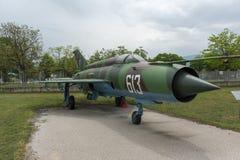 KRUMOVO, PLOVDIV, BUŁGARIA - 29 2017 KWIECIEŃ: Wojownik Mikoyan-Gurevich MiG-21 w lotnictwa muzeum blisko Plovdiv lotniska Obraz Royalty Free