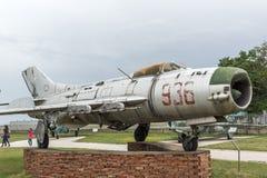 KRUMOVO, PLOVDIV, BUŁGARIA - 29 2017 KWIECIEŃ: Wojownik Mikoyan-Gurevich MiG-19 w lotnictwa muzeum blisko Plovdiv lotniska Zdjęcia Royalty Free
