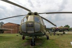 KRUMOVO PLOVDIV, BULGARIEN - 29 APRIL 2017: Helikopter Mil Mi-8 i flygmuseum nära den Plovdiv flygplatsen Arkivfoto