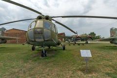 KRUMOVO PLOVDIV, BULGARIEN - 29 APRIL 2017: Helikopter Mil Mi-8 i flygmuseum nära den Plovdiv flygplatsen Royaltyfri Fotografi