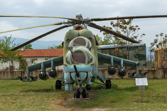 KRUMOVO PLOVDIV, BULGARIEN - 29 APRIL 2017: Helikopter Mil Mi-24 i flygmuseum nära den Plovdiv flygplatsen Royaltyfria Bilder