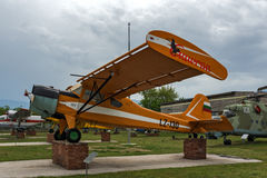 KRUMOVO, PLOWDIW, BULGARIEN - 29. APRIL 2017: Flaches LZ - 130 im Luftfahrt-Museum nahe Plowdiw-Flughafen stockfotos