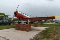 KRUMOVO, PLOWDIW, BULGARIEN - 29. APRIL 2017: Flaches Yakovlev Yak-50 im Luftfahrt-Museum nahe Plowdiw-Flughafen stockbild
