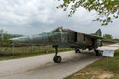KRUMOVO, PLOWDIW, BULGARIEN - 29. APRIL 2017: Jagdbomber Mikoyan-Gurevich MiG-23 im Luftfahrt-Museum nahe Plowdiw-Flughafen stockbilder