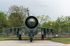 KRUMOVO, PLOWDIW, BULGARIEN - 29. APRIL 2017: Kämpfer Mikoyan-Gurevich MiG-21 im Luftfahrt-Museum nahe Plowdiw-Flughafen lizenzfreies stockbild