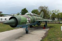 KRUMOVO, PLOWDIW, BULGARIEN - 29. APRIL 2017: Kämpfer Mikoyan-Gurevich MiG-21 im Luftfahrt-Museum nahe Plowdiw-Flughafen lizenzfreie stockfotografie